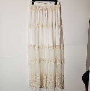 NWT Glamorous Ivory Maxi Skirt